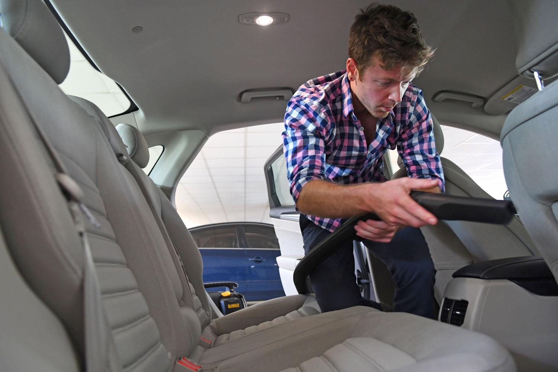 dewalt-car-vacuum-test