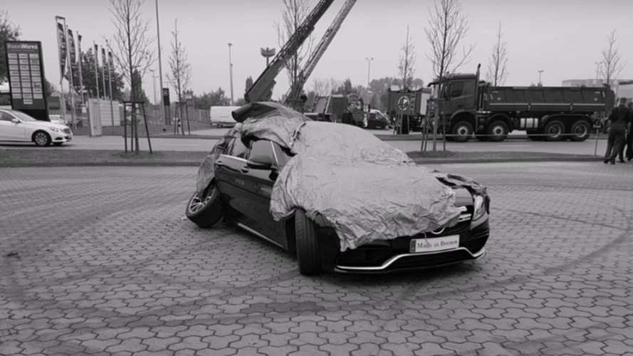 VIDÉO - Il détruit sa Mercedes-AMG C 63 S en essayant de drifter
