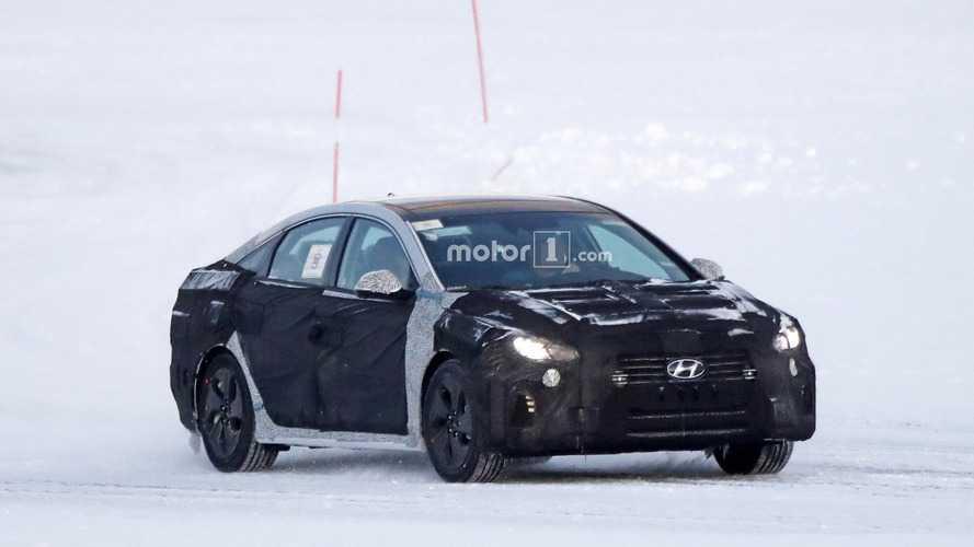 Makyajlı 2018 Hyundai Sonata yeni yüzüyle kameraya yakalandı