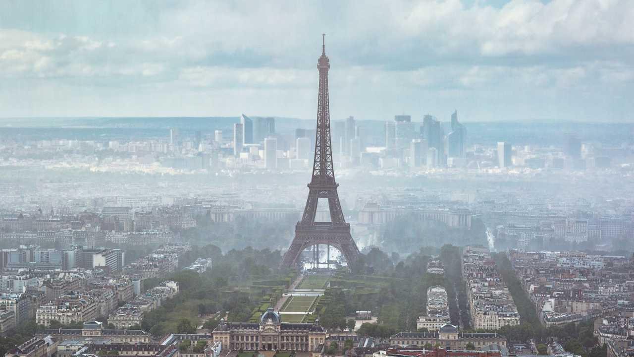 Eiffel Tower smog, Paris, France