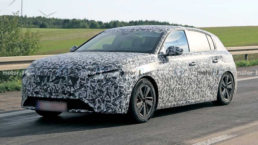 New Peugeot 308 spy photo