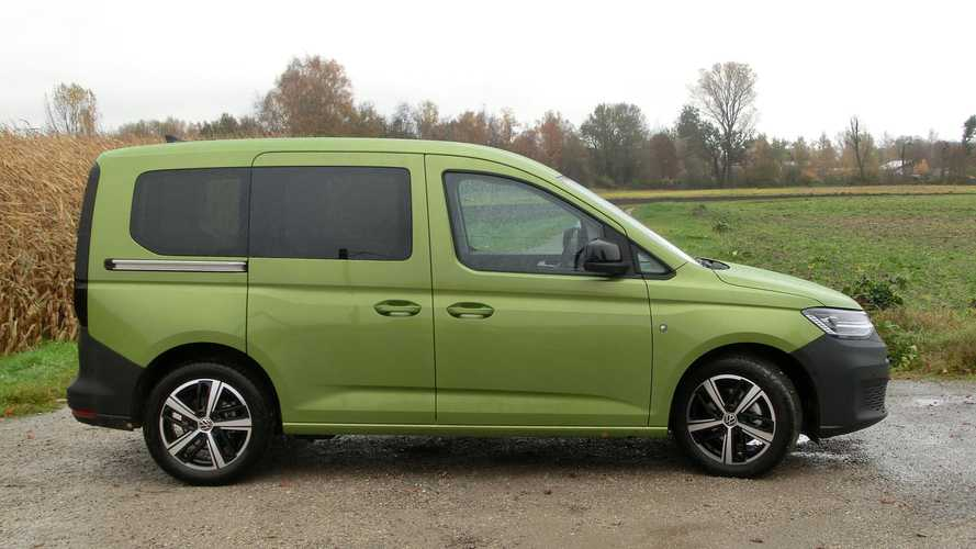 VW Caddy (2021): Die Farbei heißt Golden Green Metallic ...