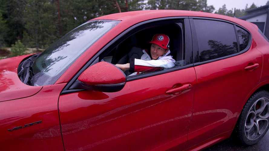 Kimi Räikkönen disfruta ya de su Alfa Romeo Stelvio