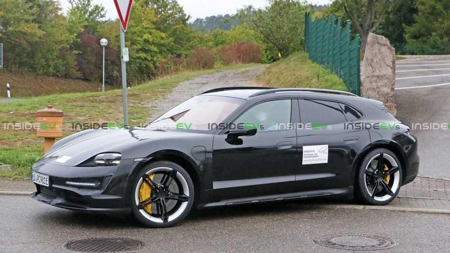 Ismét felbukkant a Porsche Taycan Cross Turismo a Nürburgringen