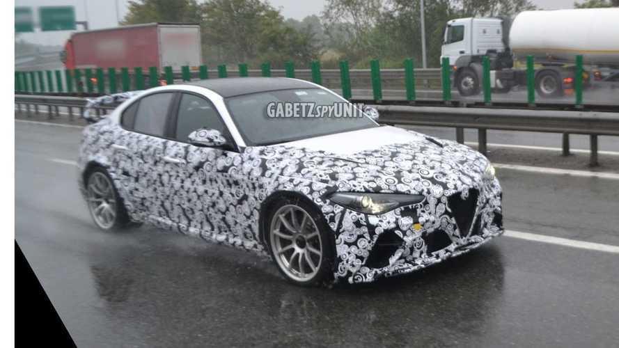 Alfa Romeo Giulia GTAm, le foto spia sotto la pioggia