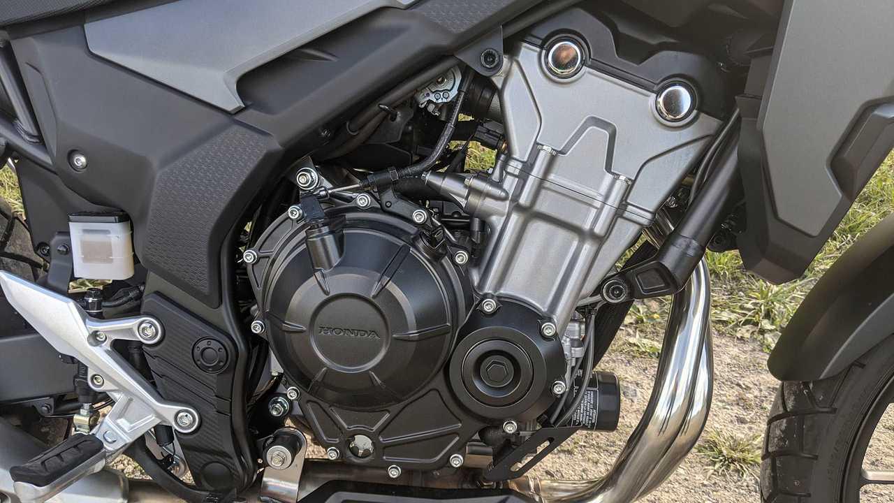 2020-honda-cb500x-engine-right.jpg