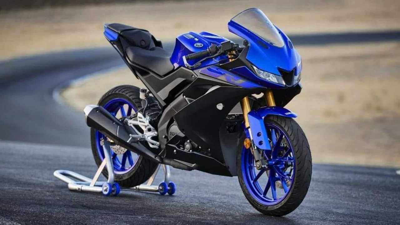 2021 Yamaha R125 Front Quarter, Right