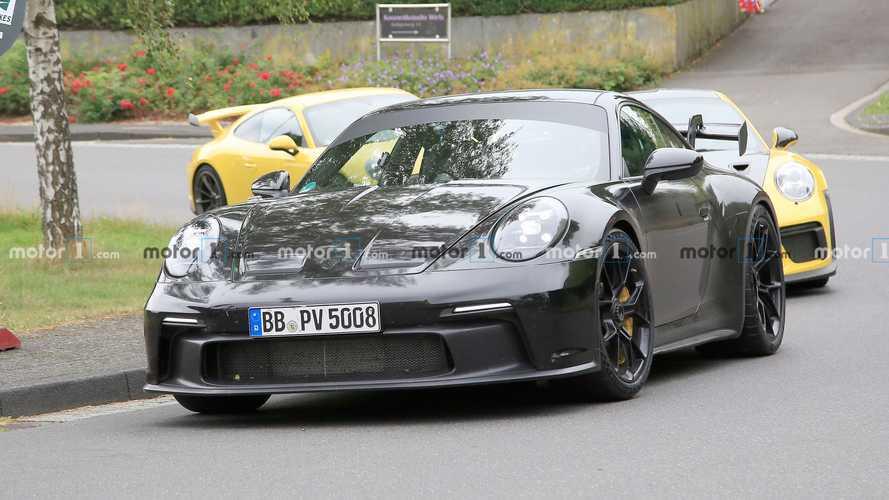 Porsche 911 GT3, selefleri ile test edilirken görüntülendi