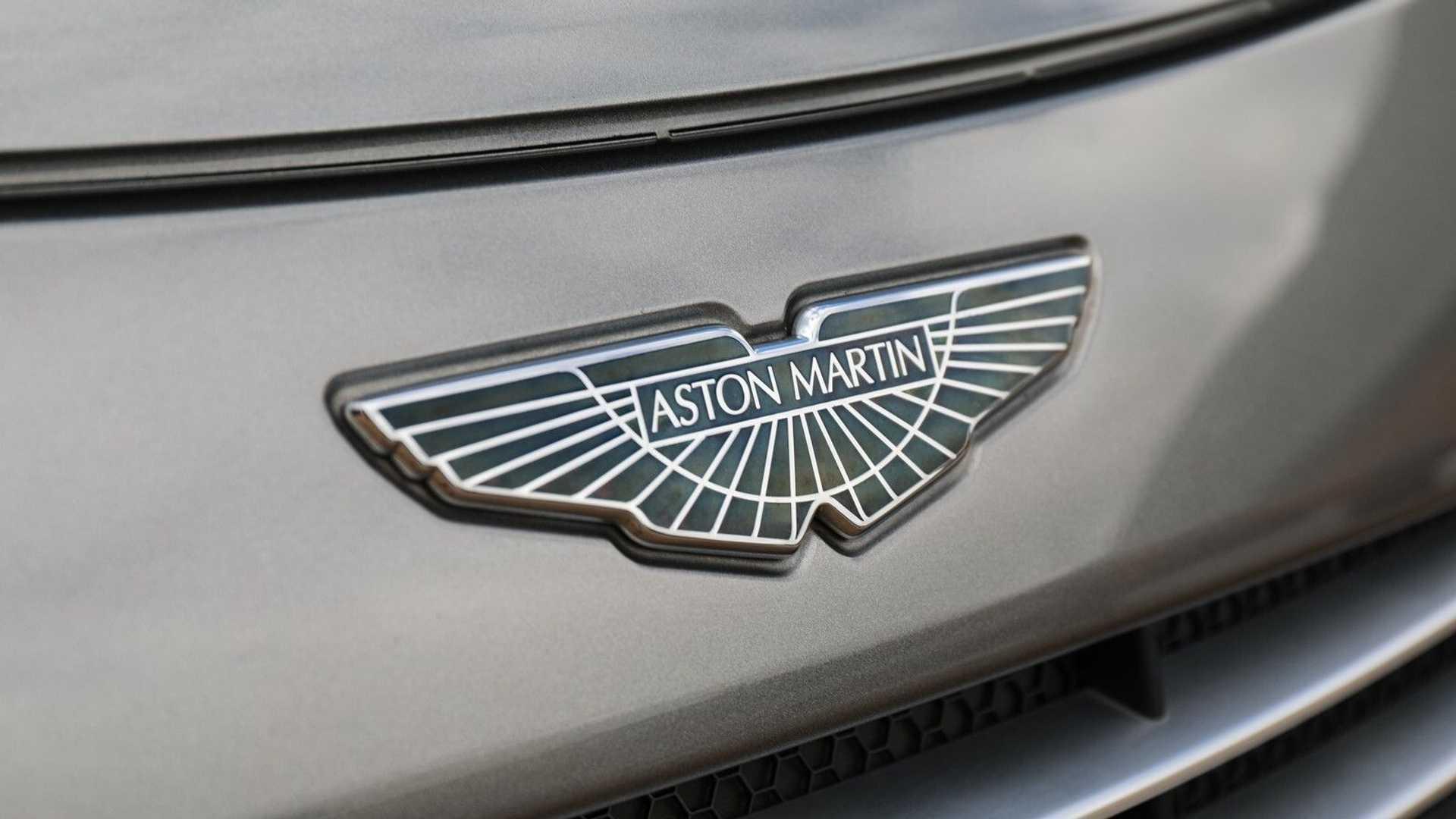 Saham Meningkat Mercedes Benz Beri Aston Martin Akses Teknologi