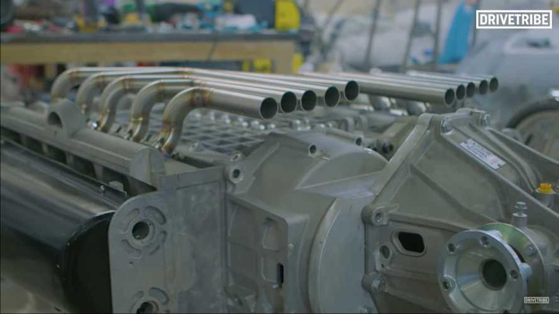 Двигатель X20 — результат слияния двух двигателей V10 вместе