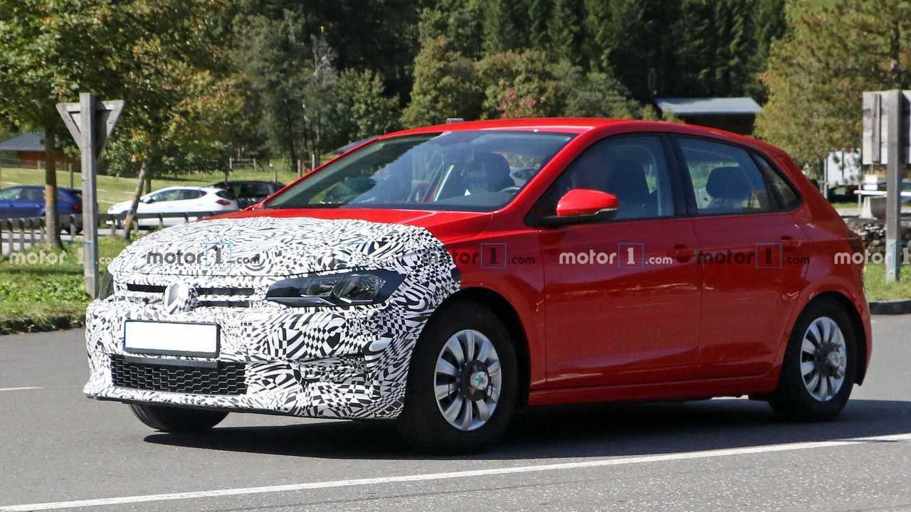 Volkswagen Polo 2022 - Flagra (frente três quartos)