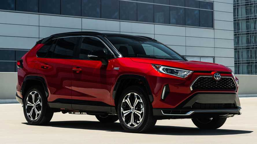 Toyota Suspends Production Of Its Best-Selling Model Due To COVID