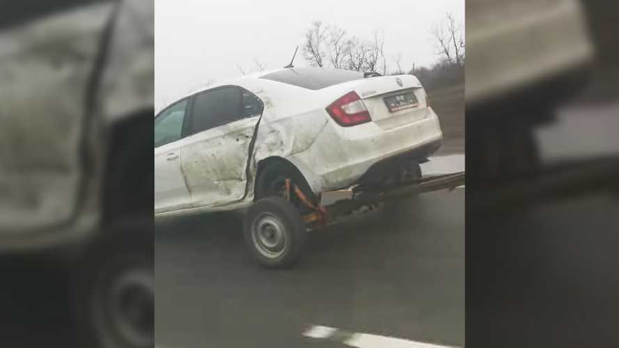 Crazy Skoda Tows Itself With Trailer Substituted For Rear Wheels