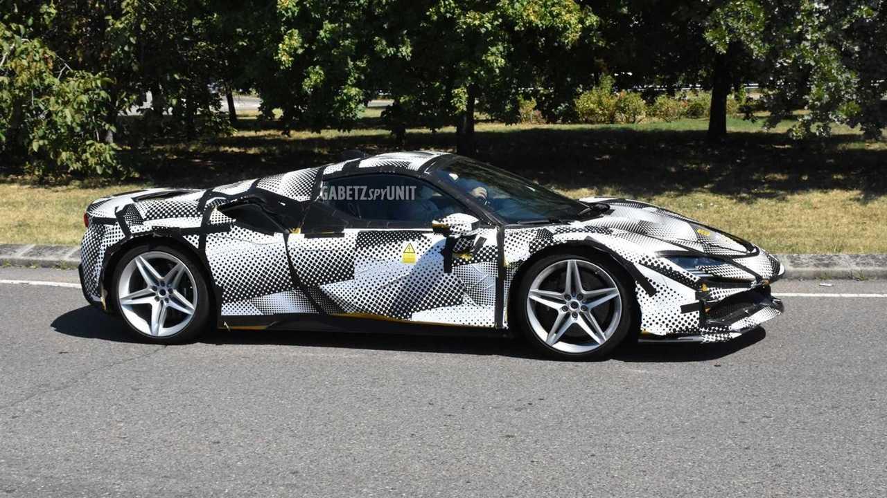 Ferrari SF90 Stradale Spider spy photo