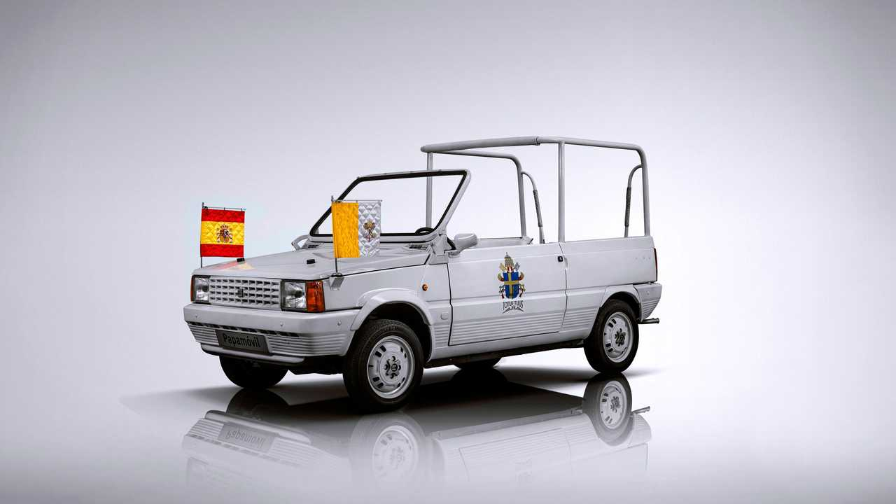 10 auto che portano  a spasso il Papa