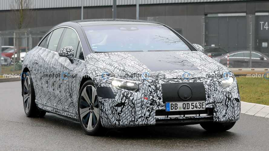 2021 Mercedes-Benz EQS'ten yepyeni bir teaser geldi