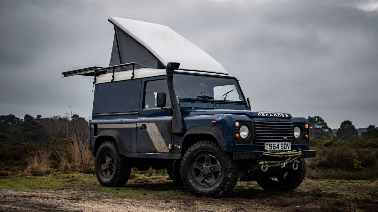 Land  Rover Defender by Felix Collier Front Three Quarters