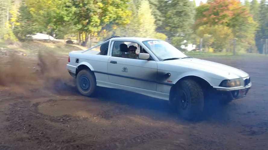 Videó: Hatalmas poénnak tűnik vezetni ezt a kisteherautóvá alakított 3-as BMW-t