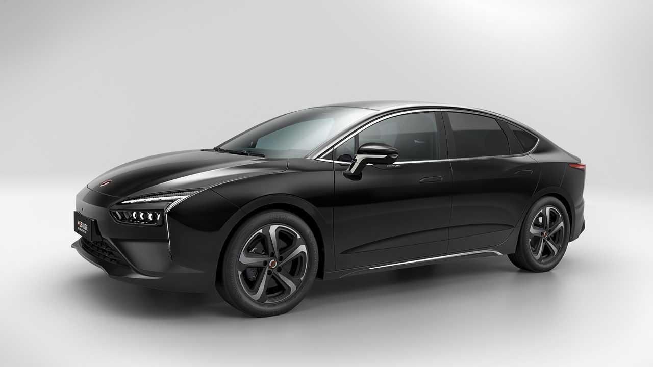 У Renault появился электроседан для такси и каршеринга