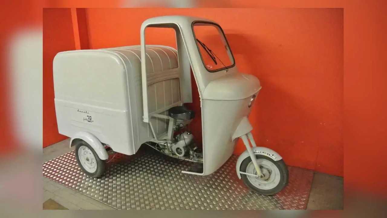 Triciclo Ducati clásico de 1968