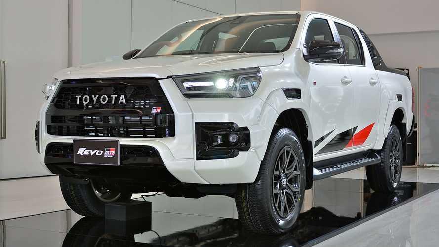 Foto-foto Keren Toyota Hilux 2022 Versi Thailand, Ada Emblem Revo