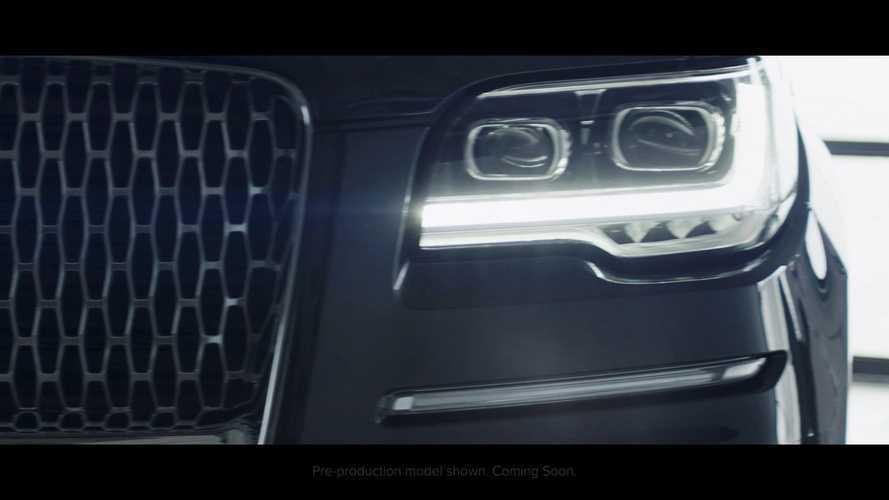 2022 makyajlı Lincoln Navigator'dan yeni teaser geldi