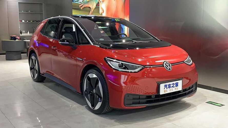 VW ID.3, que virá ao Brasil, tem início de vendas na China