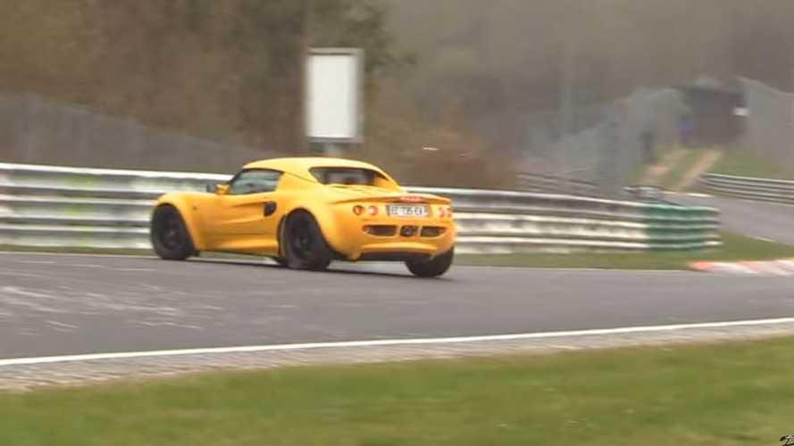 VIDÉO - Petite frayeur pour cette Lotus Elise sur le Nürburgring !