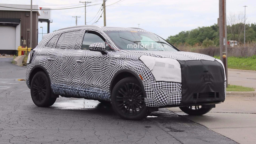 2019 Lincoln MKX Restyle Caught Showing Two Rows Of Headlights