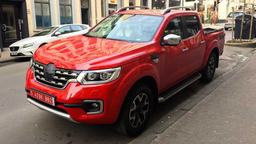 Le Renault Alaskan en balade à Bruxelles