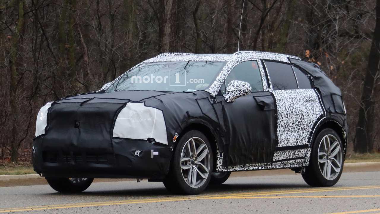2019 Cadillac Xt4 Spy Photo Photo Motor1 Com Canada
