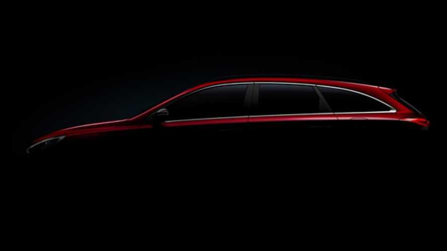 La Hyundai i30 break commence à se montrer