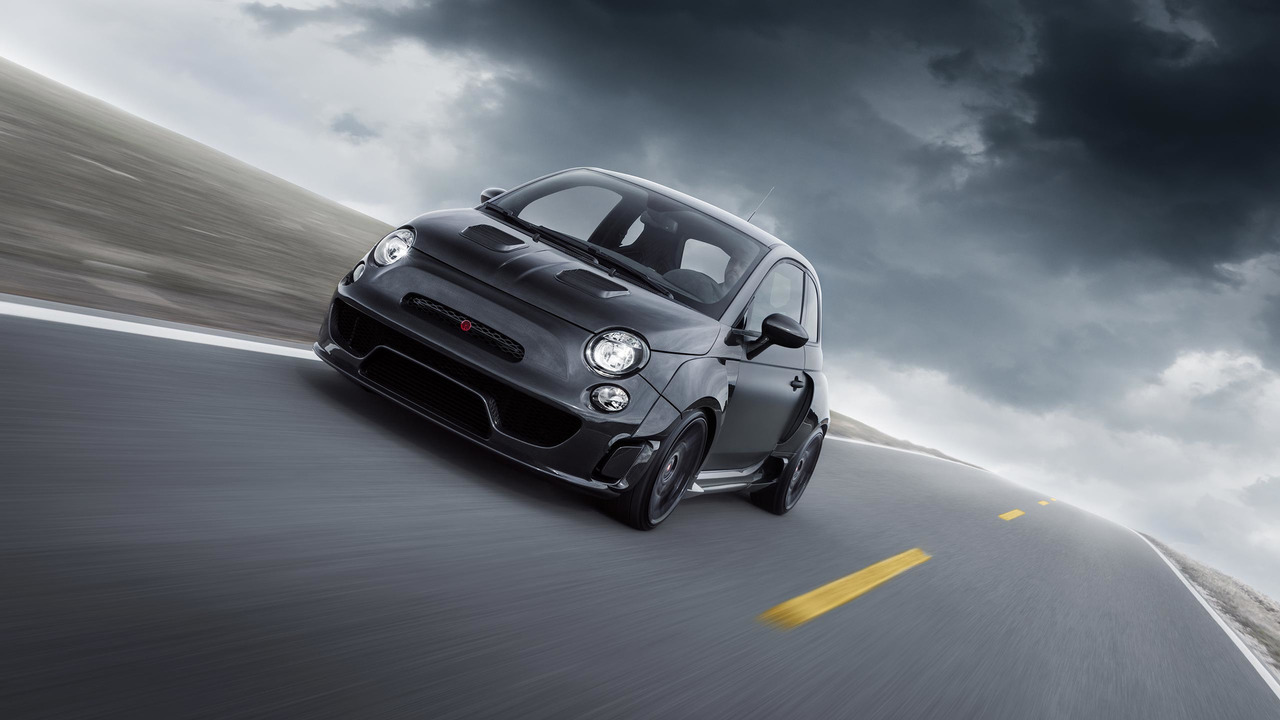 Pogea Racing S Fiat 500 Abarth Packs 405 Hp Into Carbon Fiber Widebody