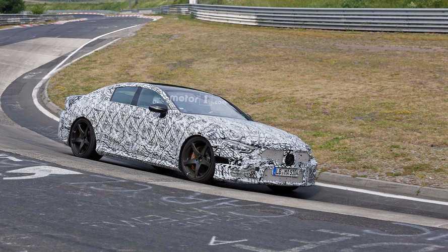 El Mercedes-AMG GT 2018, de cuatro puertas, ya rueda en Nürburgring