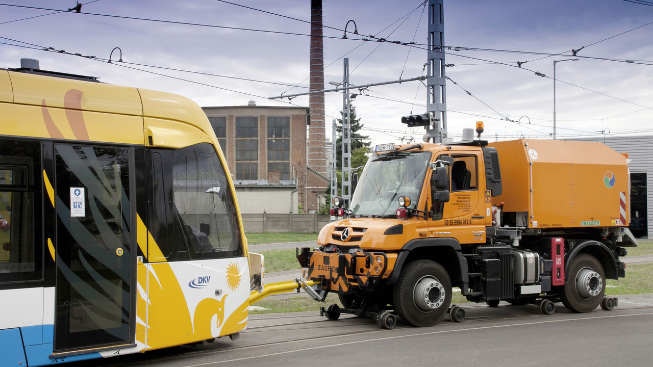 Mercedes-Benz Unimog railroad version