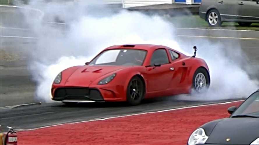 Tesla aksamlı kit car 400 m'yi 10.1 saniyede tamamlıyor