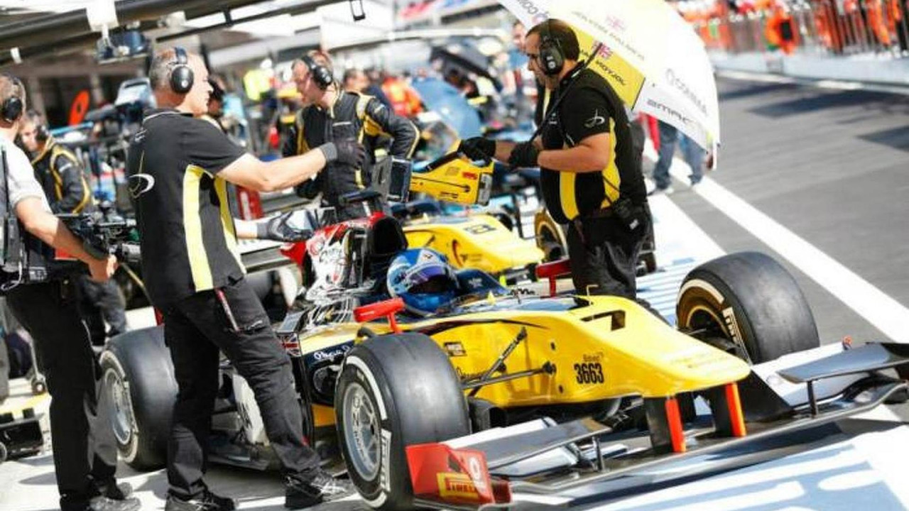 Jolyon Palmer / Official Facebook page