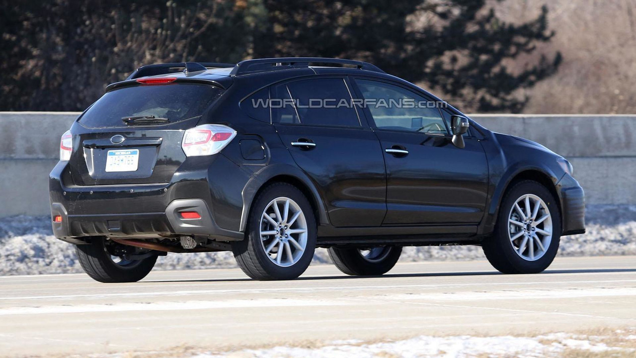 2016 / 2017 Subaru Impreza mule spy photo