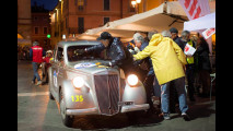 Outside Mille Miglia, Kasia Smutniak su Lancia Ardea