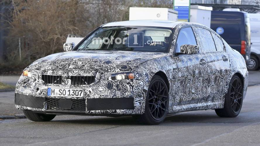 2019 BMW M3 daha geniş gövdesini sergiliyor