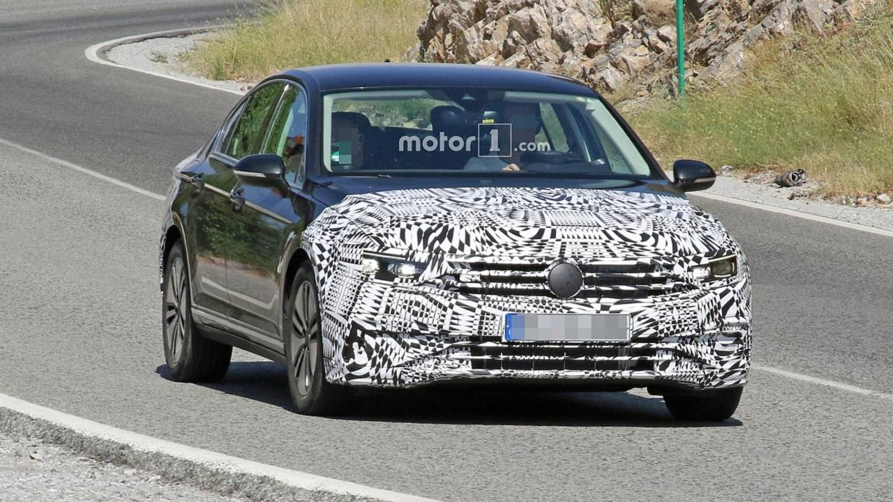 VW Passat GTE 2019 - Flagra