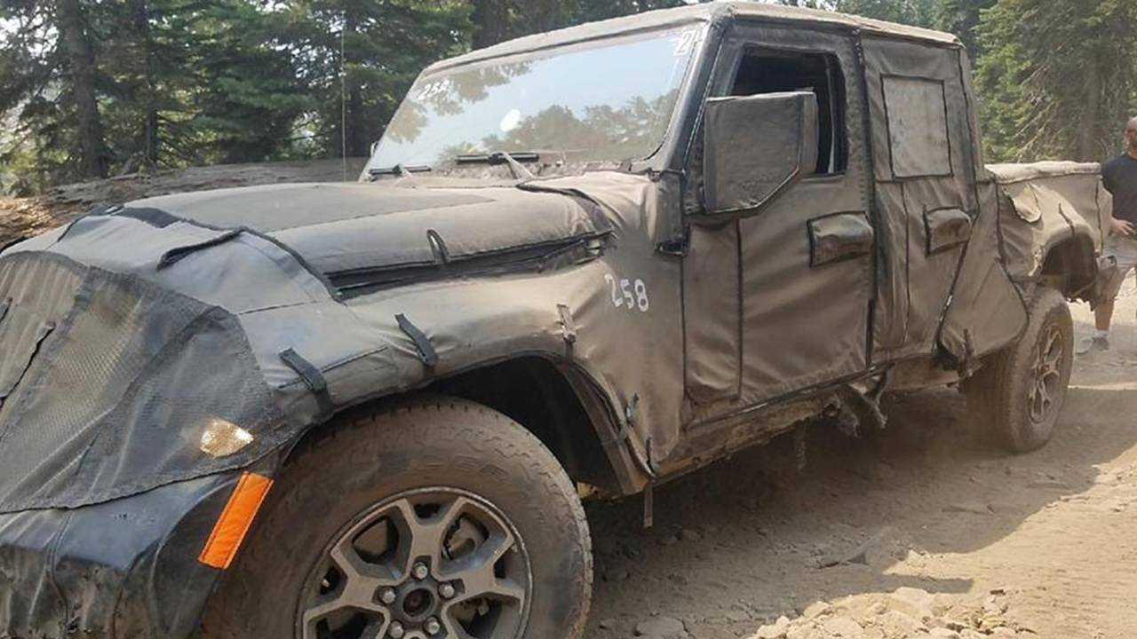 Jeep Wrangler Pickup Trail Spy Shots