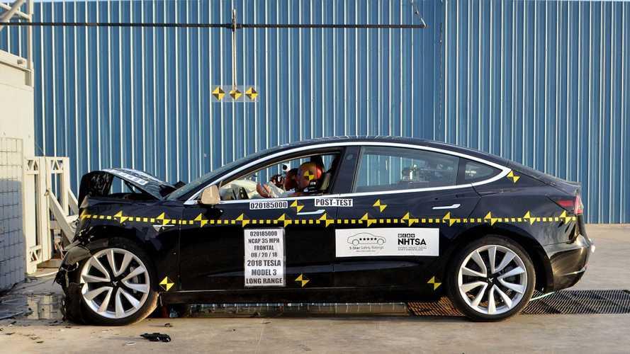 Tesla Model 3, l'auto più sicura mai provata dall'NHTSA