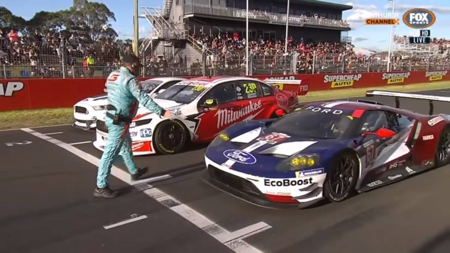 Ford GT Duels Mustang GT4, FGX Falcon Supercar At Mount Panorama