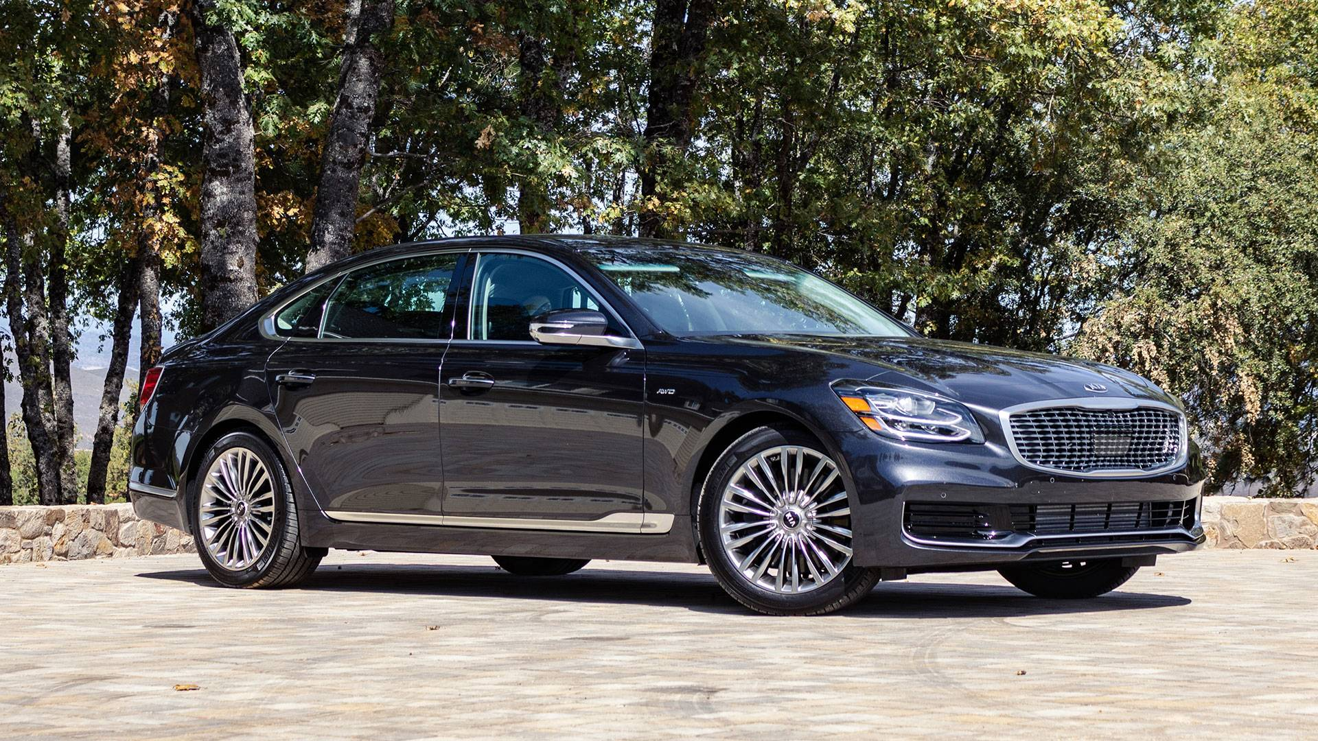 2019 Kia K900 First Drive Stealth Wealth