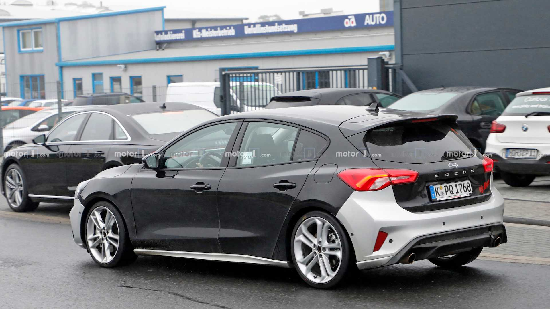 2022 Ford Focus ST Facelift Spied In Bright Green As Nod
