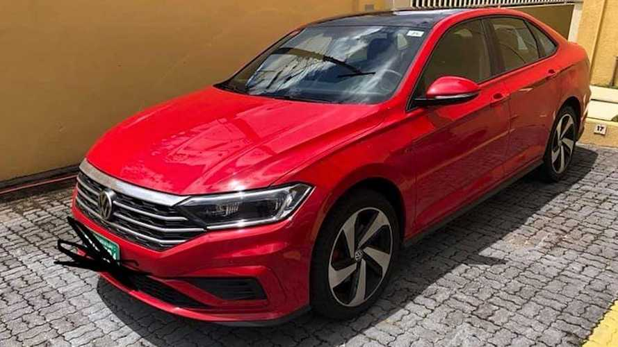 Flagra: Volkswagen Jetta 2.0 turbo terá visual mais discreto no Brasil