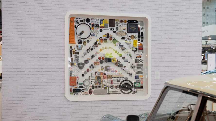 Citroën - Une œuvre d'art avec des pièces de voitures pour le centenaire