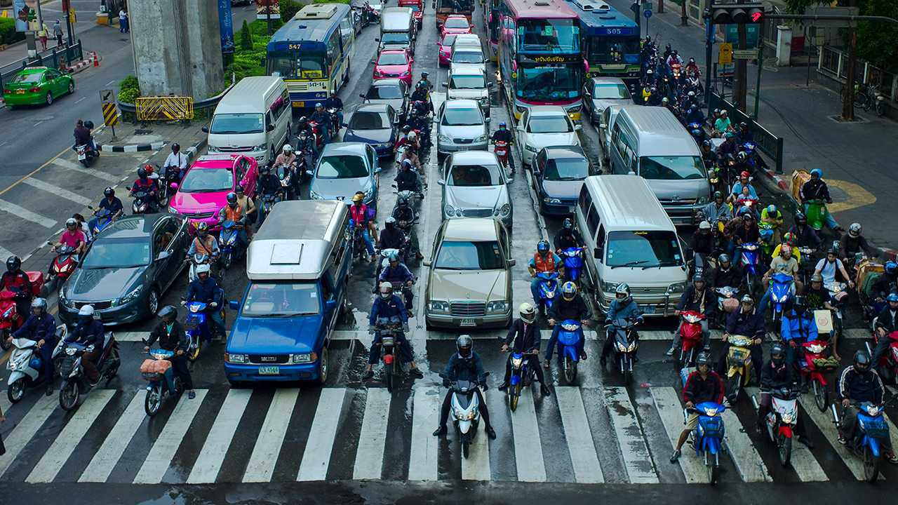 Difference between lane splitting and filtering