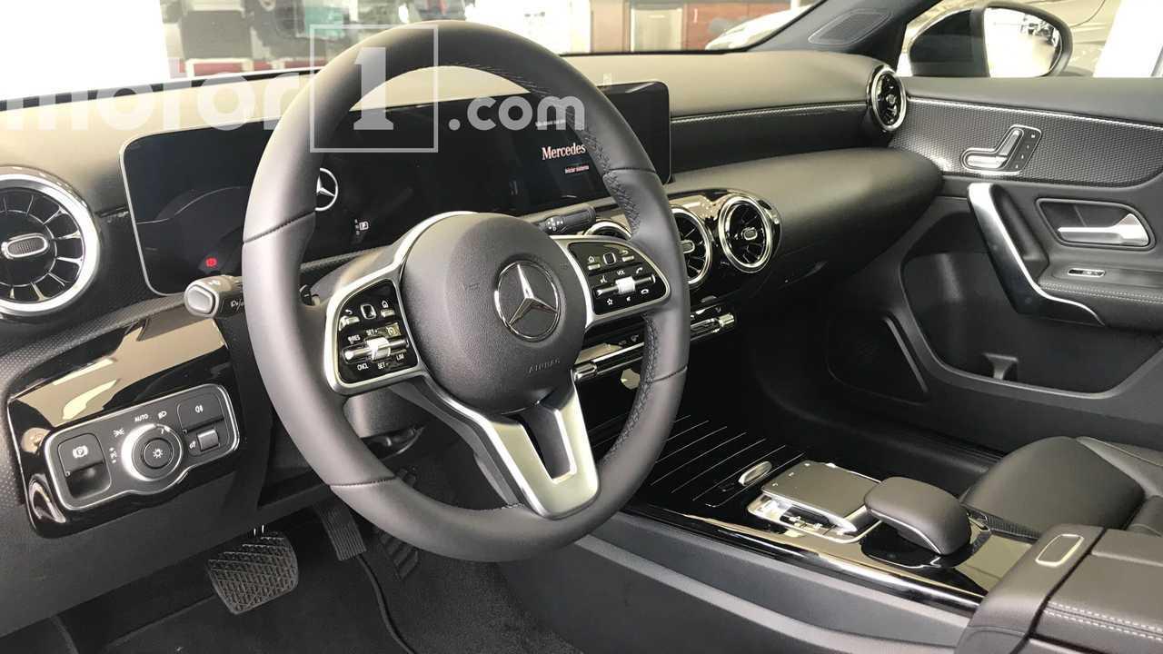 Novo Mercedes-Benz Classe A já está nas lojas por R$ 194.900 Mercedes-benz-classe-a-na-concessionaria